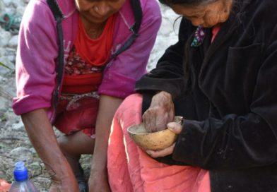 Algunas fotos del primer encuentro de la escuelita de mujeres lenca en resistencia por la salud natural del 13, 14 y 15 abril.