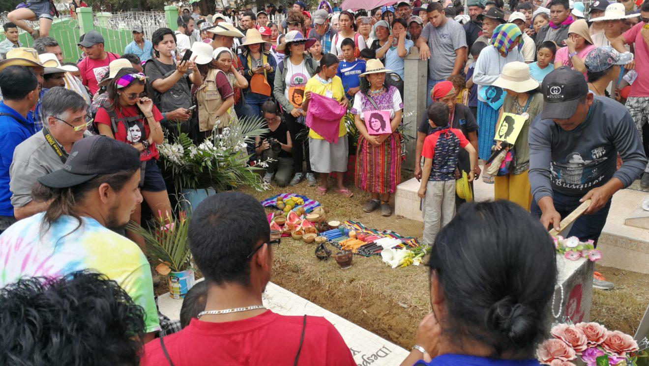 Bienvenida e inauguración 3er aniversario siembra Berta Cáceres